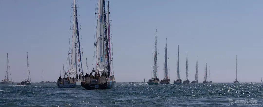 埃斯特角号引领船队巡游,赛程2正式开始w5.jpg