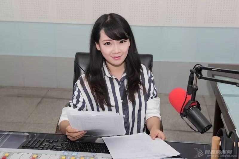 船上女主播征婚:打开午夜收音机w1.jpg