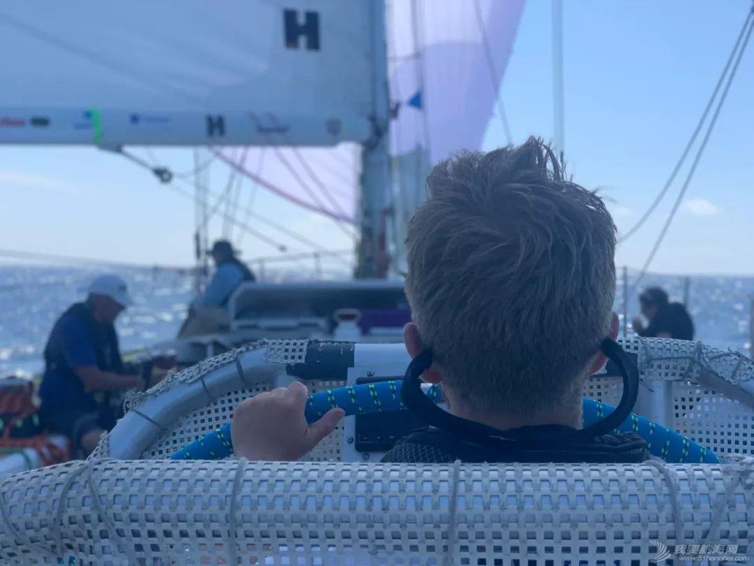 赛程2第8日:船队驶向佛得角群岛w4.jpg