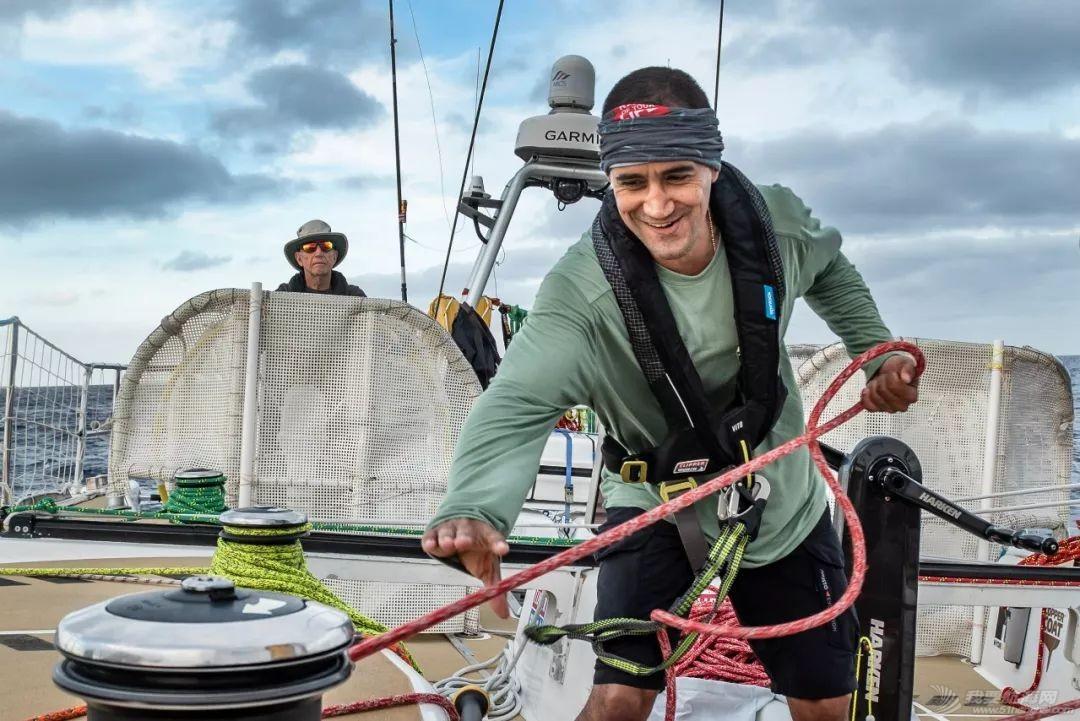 赛程2第8日:船队驶向佛得角群岛w3.jpg
