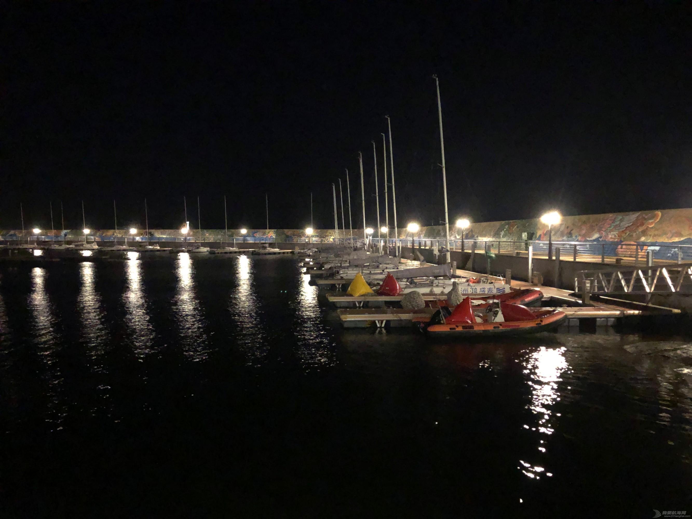 夜晚港口.jpg