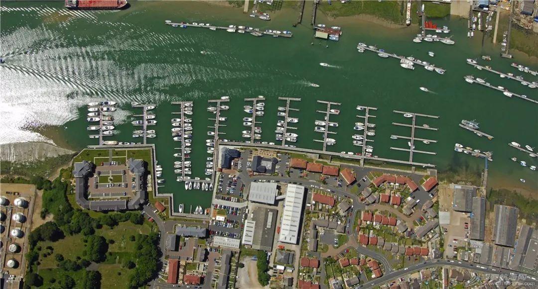 英国游艇码头分布第一篇,航海圣地怀特岛w14.jpg