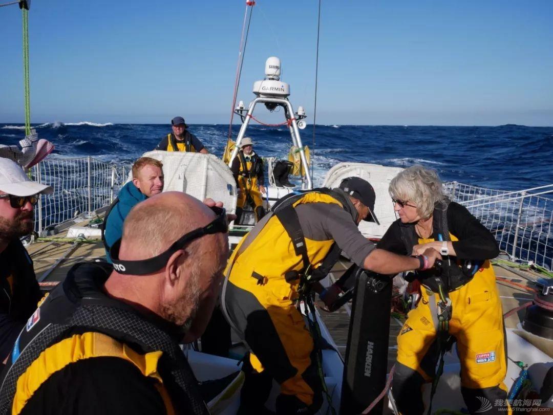 赛程2第12日:热带阵雨和飑风时常光顾比赛船队w4.jpg