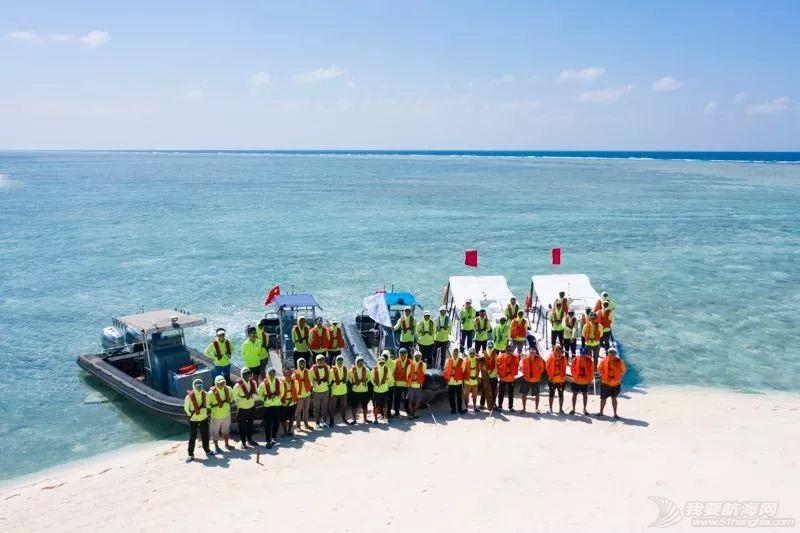 庆祝新中国成立70周年 祖国最南端首支民间水上救援队正式成立w6.jpg
