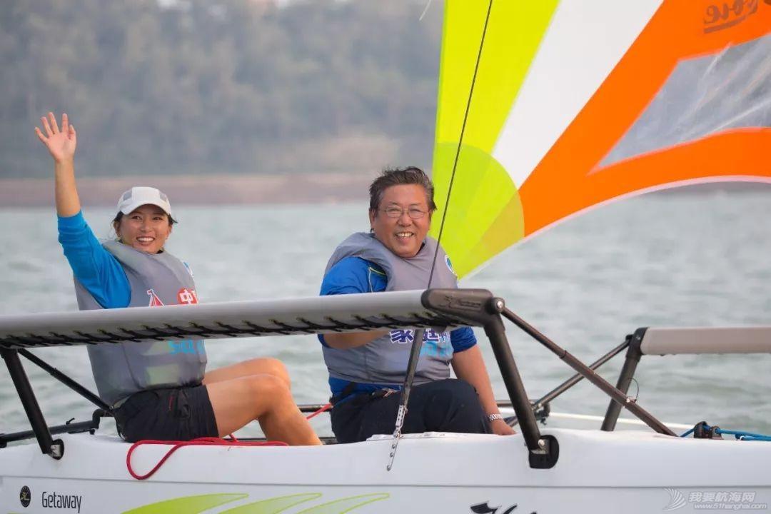 全家共享欢聚一堂,2018中国家庭帆船赛青岛站汇泉湾起航w8.jpg
