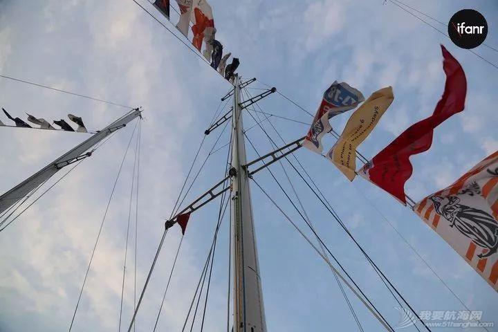 我跟着环游世界的船队出了趟海,差点没死在船上w12.jpg