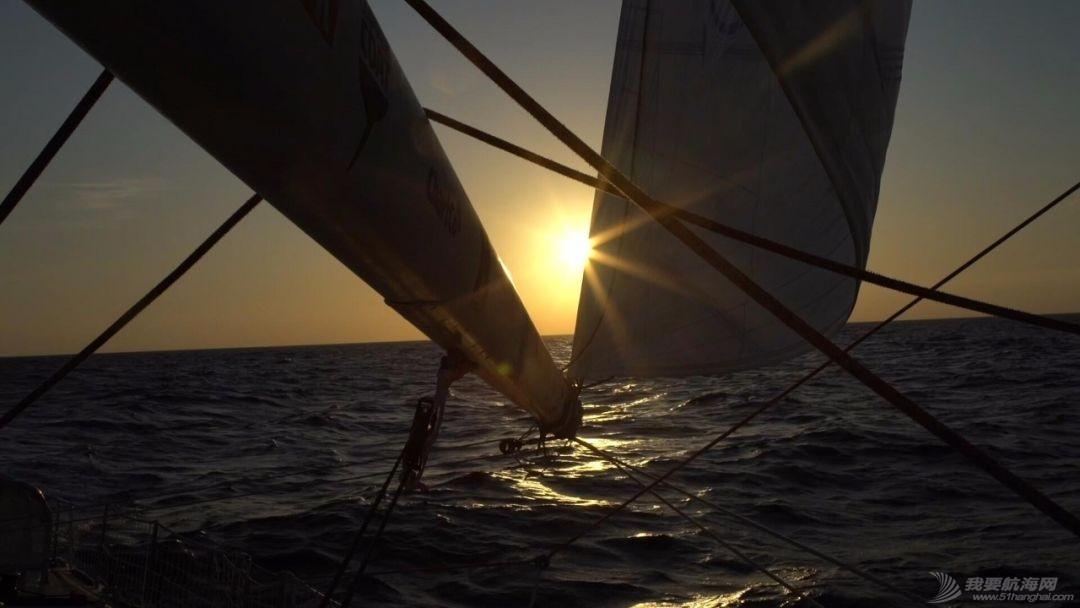 惊奇震撼的闪电风暴视频-拍摄于克利伯2019-20帆船赛第2赛程w6.jpg