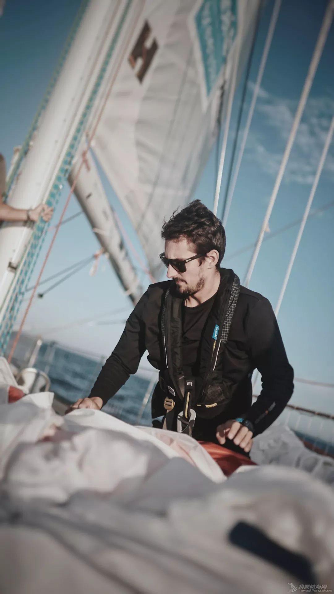 挑战南大西洋 三亚号今日起航驶向开普敦w10.jpg