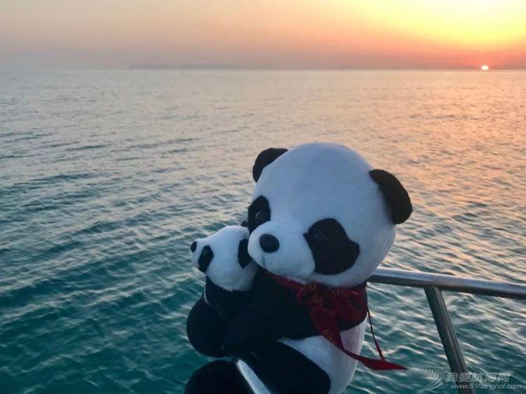 TAYANA和熊猫阿宝w10.jpg