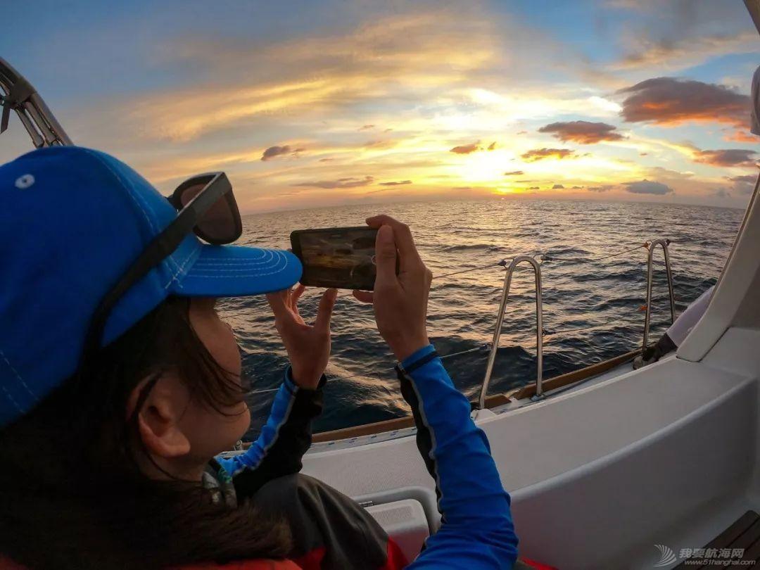 假脸假胸不许上船,中国女人海上的另一种美w8.jpg