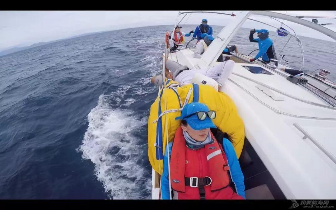 假脸假胸不许上船,中国女人海上的另一种美w11.jpg