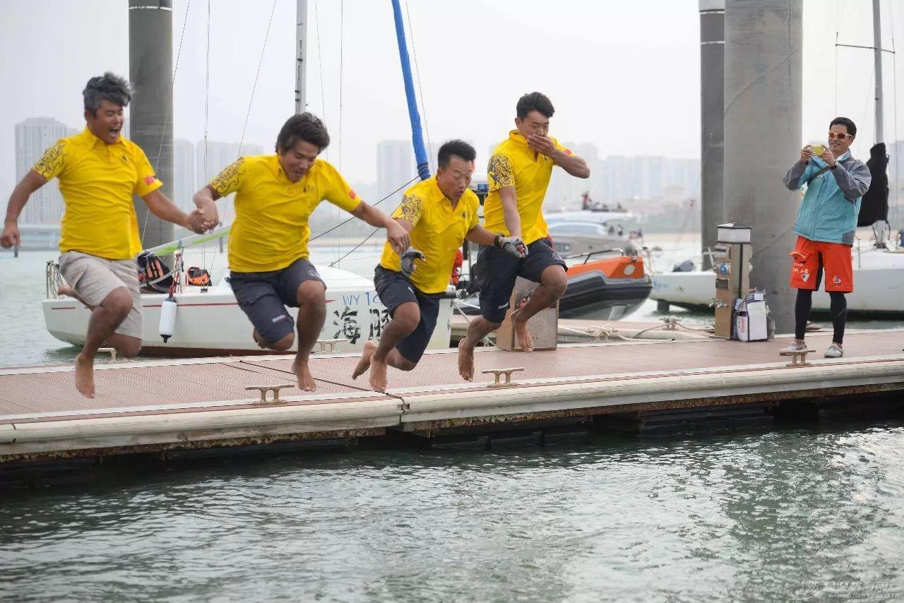 中国帆船界的巅峰对决—王者北航w13.jpg