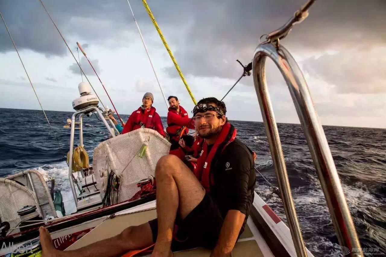 青岛号夺得克利伯环球帆船赛第一赛段亚军w5.jpg
