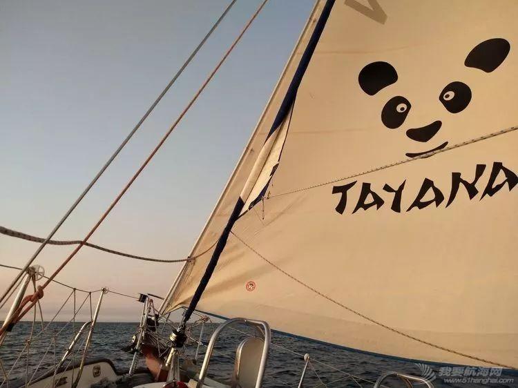 我的航海日记(24)与风竞速的六天六夜w1.jpg