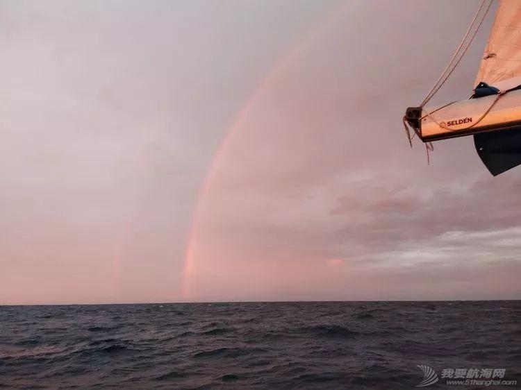 我的航海日记(25)不期而遇的巴哈哈哈800海里帆船赛w21.jpg