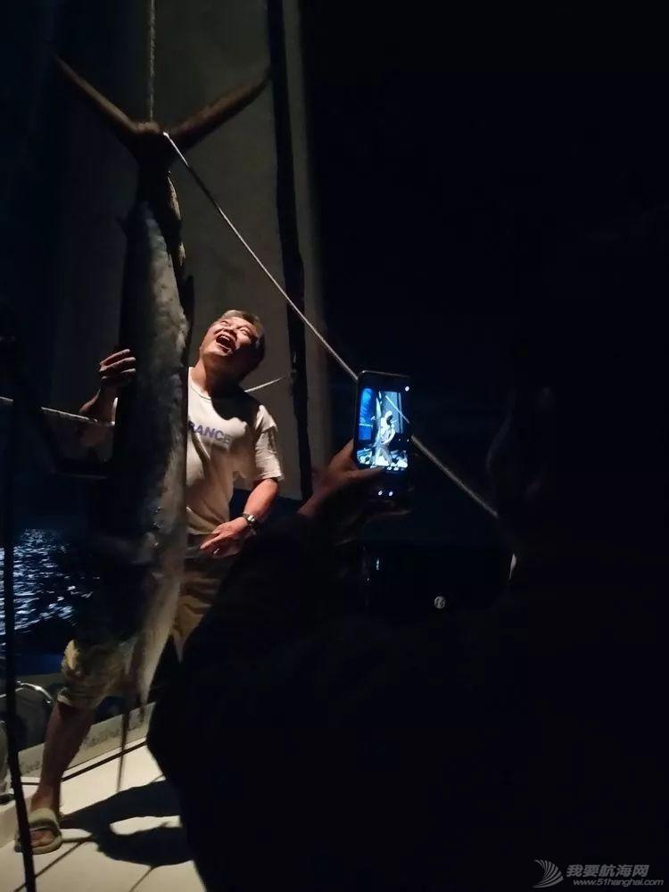 我的航海日记(25)不期而遇的巴哈哈哈800海里帆船赛w26.jpg