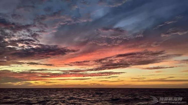 我的航海日记(25)不期而遇的巴哈哈哈800海里帆船赛w24.jpg