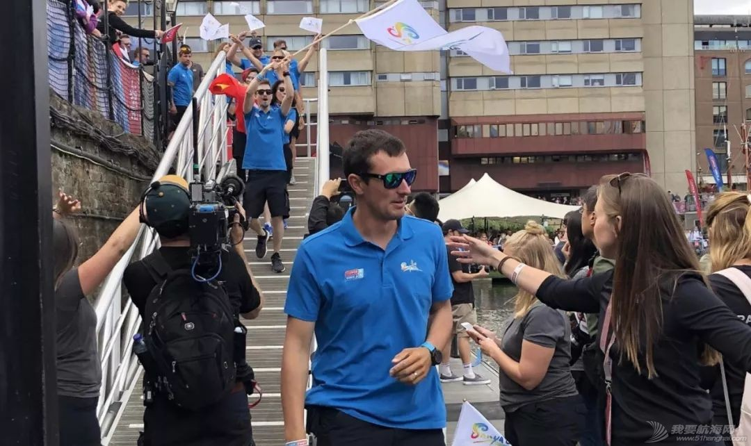 克利伯2019-20环球帆船赛在伦敦盛大起航   三艘中国赛船展开环球之旅w7.jpg