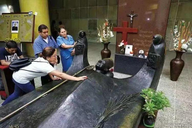 我的航海日记(31)萨尔瓦多的玫瑰教堂w8.jpg