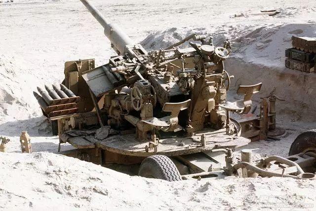 二战中,德国88炮威名远播堪称传奇,它又有什么缺点呢?w3.jpg