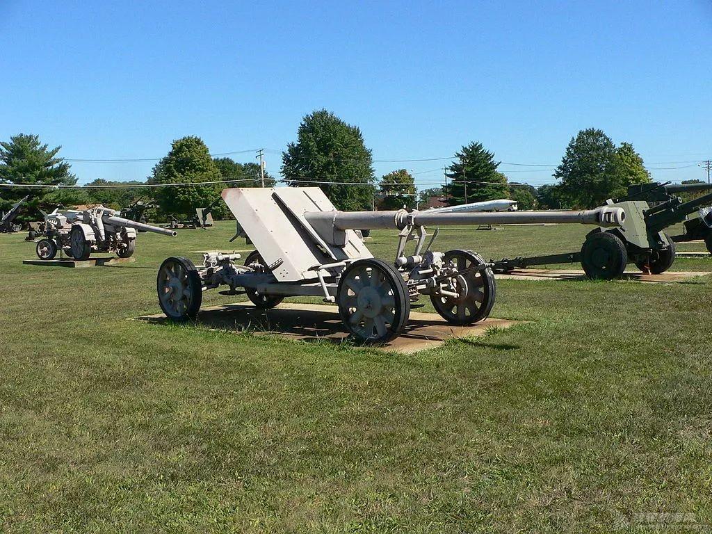二战中,德国88炮威名远播堪称传奇,它又有什么缺点呢?w9.jpg