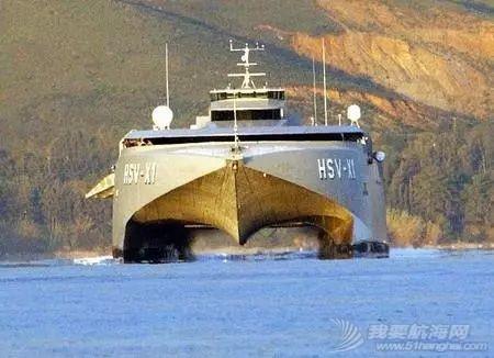 为什么以前的潜艇水面速度比水下快,现在却正好相反?w5.jpg