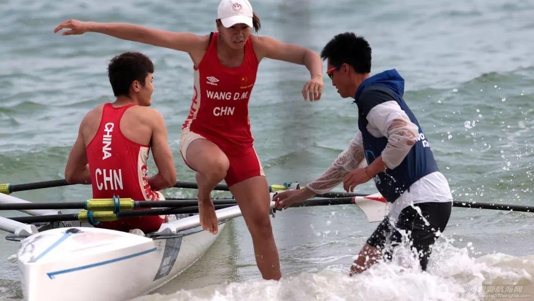海岸赛艇   中国队包揽世界海岸赛艇沙滩冲刺赛总决赛首日两金w4.jpg
