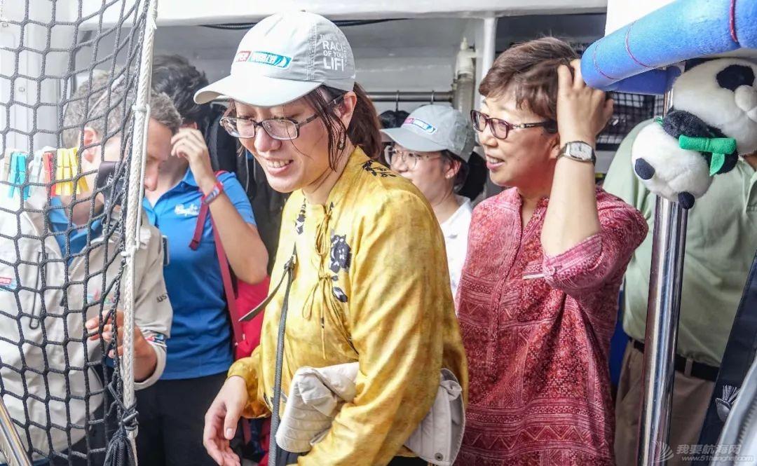 中国驻珀斯总领馆一行来到弗里曼特尔访问克利伯帆船赛w7.jpg