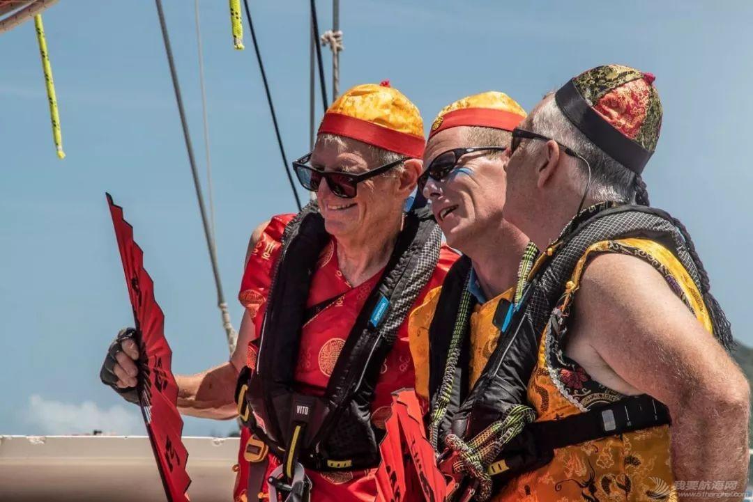 克利伯帆船赛驶向新赛季中国第一站,船员海上欢度春节w4.jpg