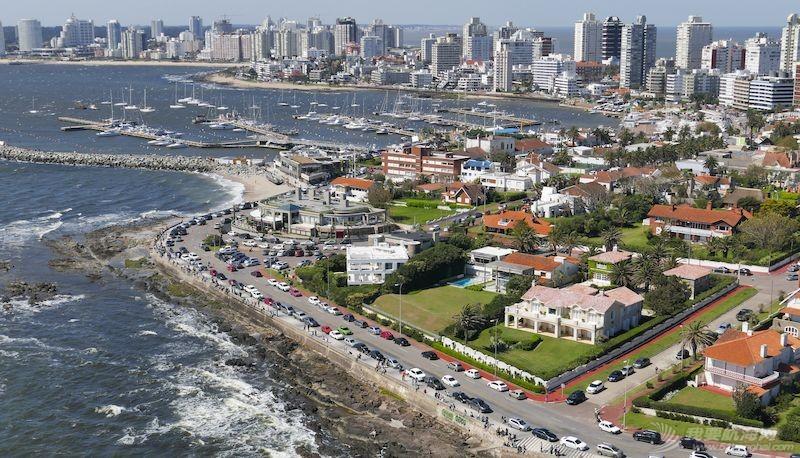 南美洲、非洲和大洋洲的三个停靠站欢迎克利伯环球帆船赛船员到访w4.jpg