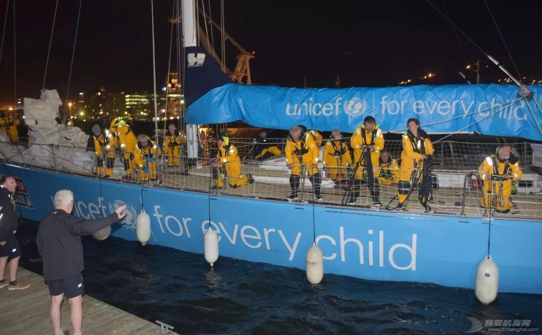 埃斯特角号第二名,联合国儿童基金会号第三名,两支赛队双双完赛抵达开普敦w6.jpg