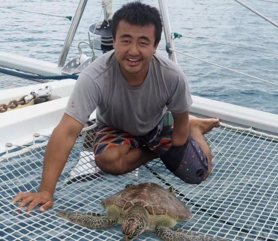 巴新奇遇:用两罐啤酒救下一只海龟,还收编了一个岛的兄弟w15.jpg