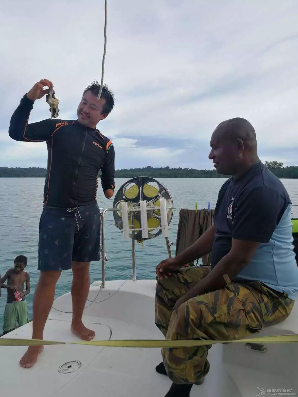 巴新奇遇:用两罐啤酒救下一只海龟,还收编了一个岛的兄弟w25.jpg