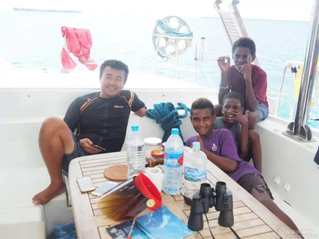 巴新奇遇:用两罐啤酒救下一只海龟,还收编了一个岛的兄弟w37.jpg