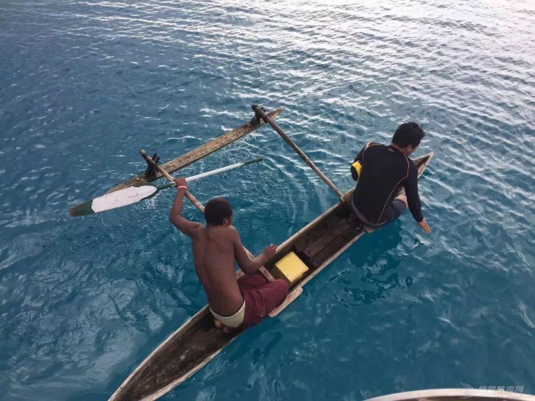 巴新奇遇:用两罐啤酒救下一只海龟,还收编了一个岛的兄弟w41.jpg