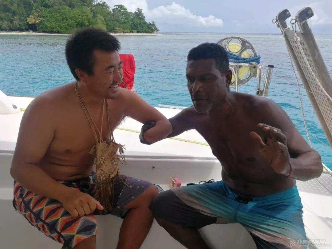 巴新奇遇:用两罐啤酒救下一只海龟,还收编了一个岛的兄弟w49.jpg