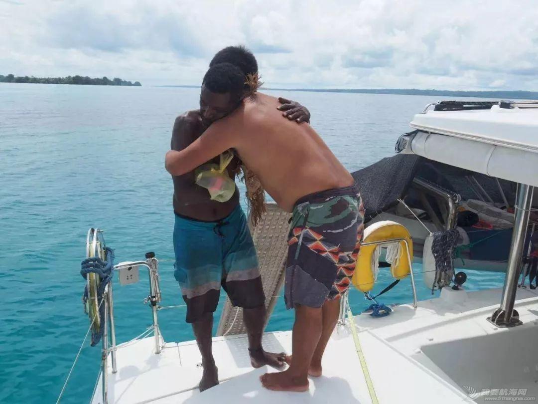 巴新奇遇:用两罐啤酒救下一只海龟,还收编了一个岛的兄弟w51.jpg