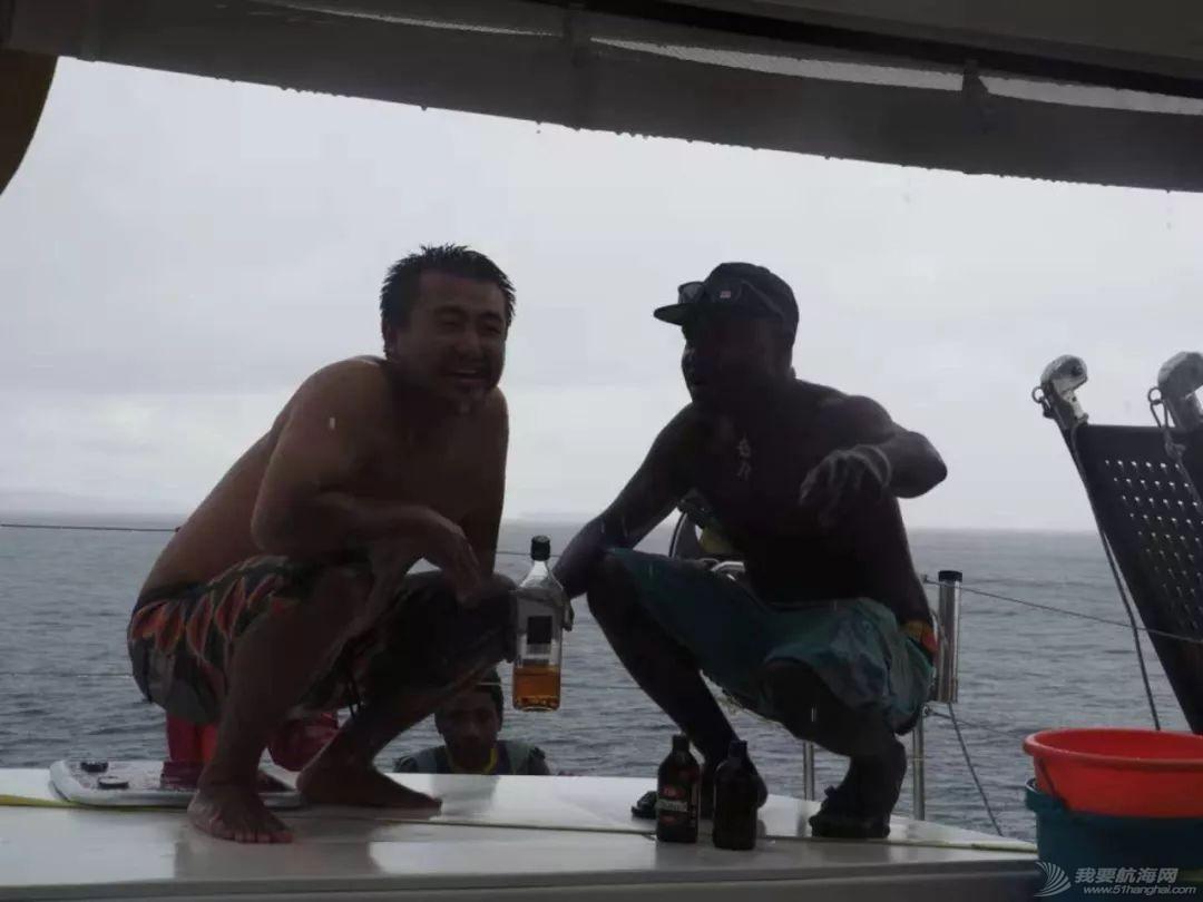巴新奇遇:用两罐啤酒救下一只海龟,还收编了一个岛的兄弟w58.jpg