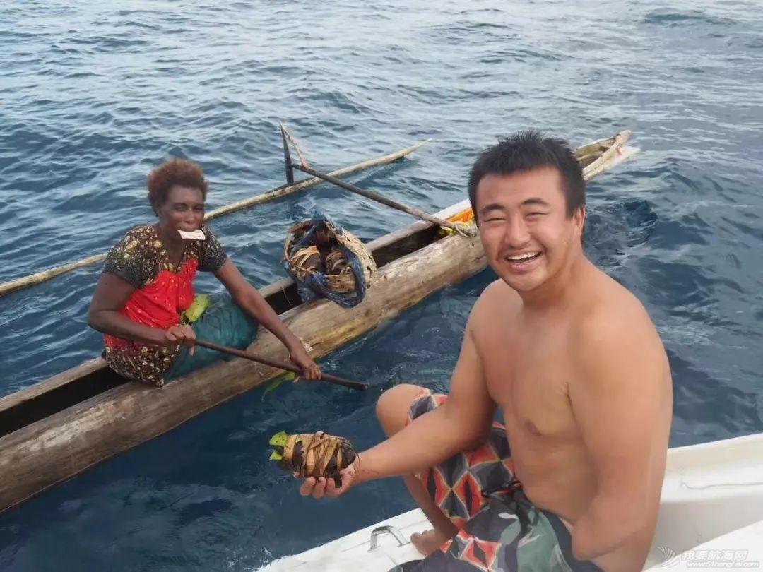 巴新奇遇:用两罐啤酒救下一只海龟,还收编了一个岛的兄弟w59.jpg