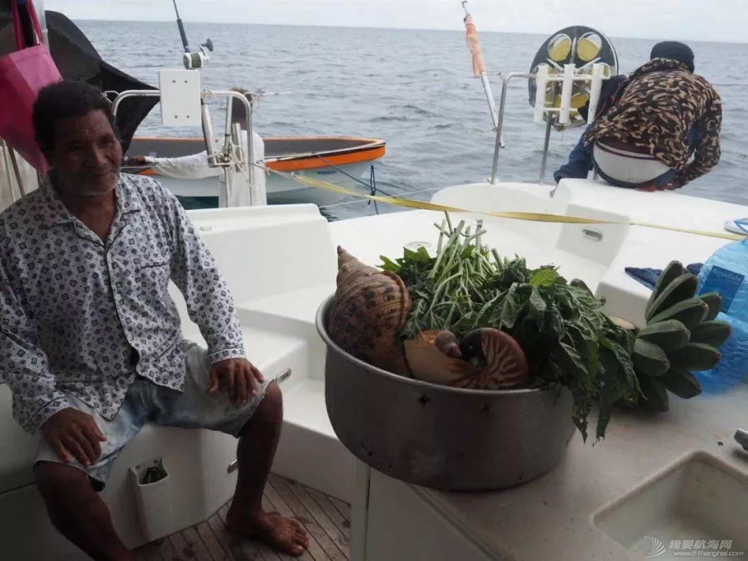 巴新奇遇:用两罐啤酒救下一只海龟,还收编了一个岛的兄弟w75.jpg