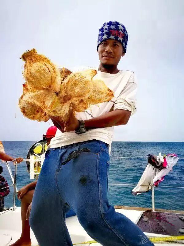 巴新奇遇:用两罐啤酒救下一只海龟,还收编了一个岛的兄弟w80.jpg