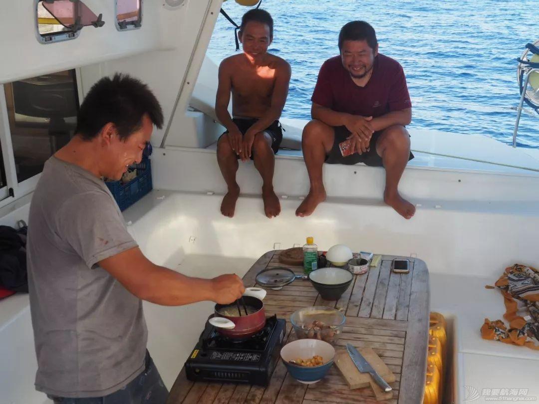 巴新奇遇:用两罐啤酒救下一只海龟,还收编了一个岛的兄弟w88.jpg
