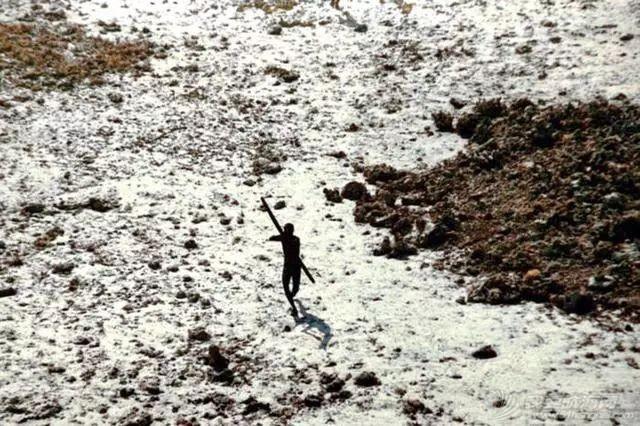 与世隔绝6万年的小岛,却是见人就杀的危险禁区w10.jpg