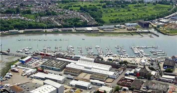 英国游艇码头分布第三篇,南安普顿w10.jpg