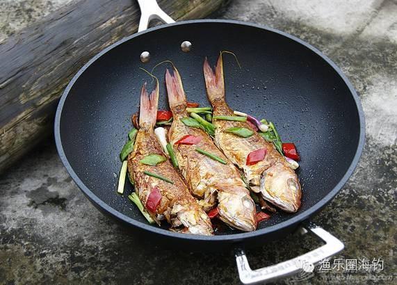 吃货们看过来,教你怎样把鱼煎得漂漂亮亮的.w4.jpg
