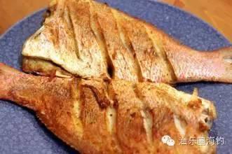 吃货们看过来,教你怎样把鱼煎得漂漂亮亮的.w7.jpg