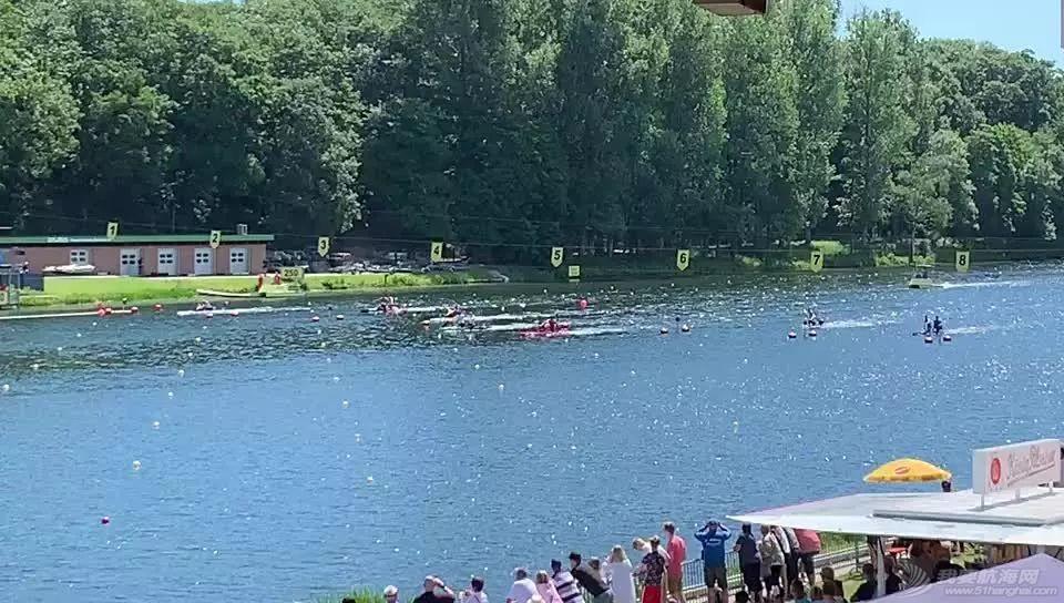 皮划艇世界杯第二站   终于等到这块金牌!浩飞组合男子双划1000米创世界最好成绩夺冠w4.jpg