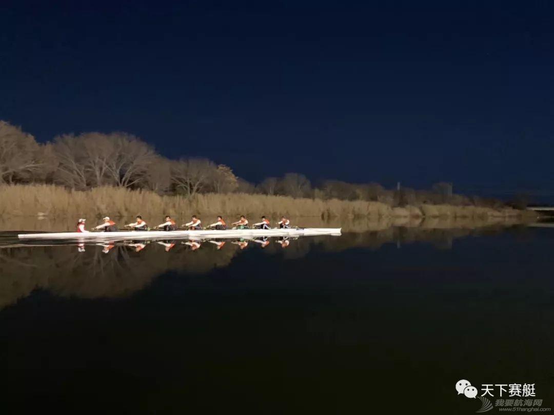 看!中国赛艇队男子八人艇的小哥哥们!w4.jpg