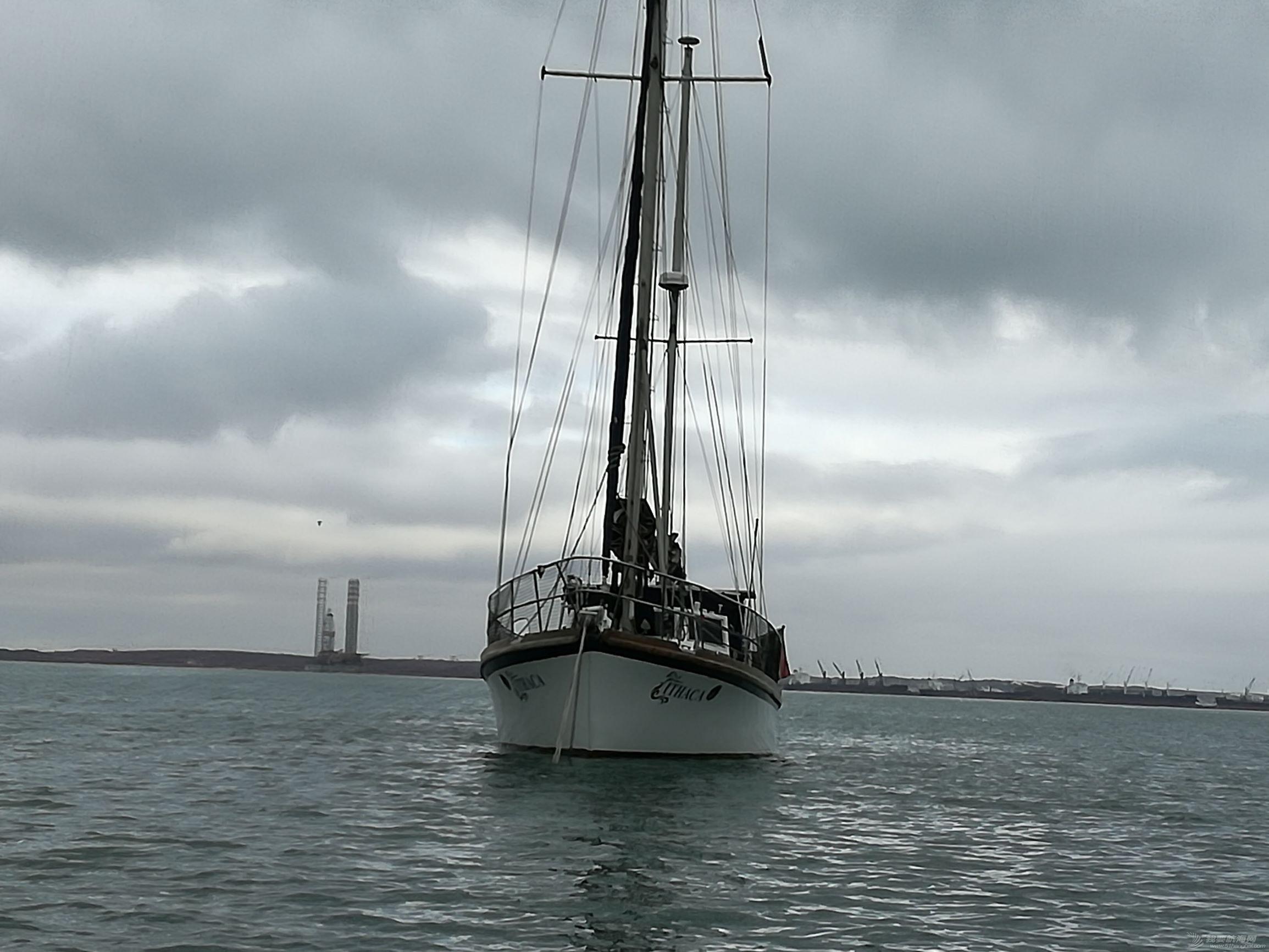我们,帆船,俱乐部,南非,离开 ITHACA号航海 15 新年喜团聚,没有保险,也不能阻止向海洋出发 萨当那港俱乐部的锚地 023504f07y3bm6t0kk2obt