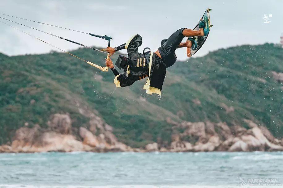 帆船人花式贺新年:首届中国风筝帆板空中飞人装扮赛落幕w14.jpg